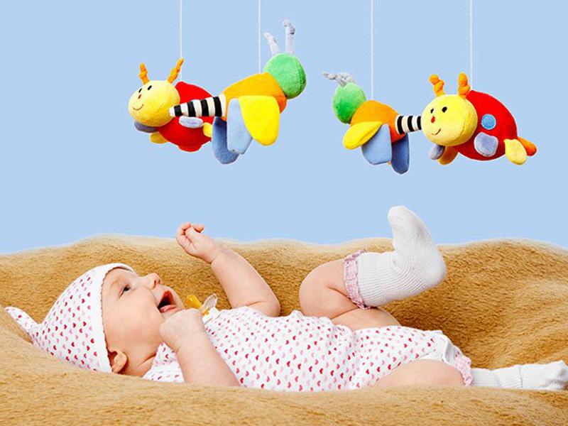 การเลือกของเล่นให้เหมาะสมกับพัฒนาการของเด็กแรกเกิด - 1 ขวบ
