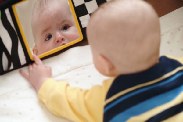 ของเล่นที่เหมาะสมกับเด็กวัยแรกเกิด (New Born - NB) - 6 เดือน
